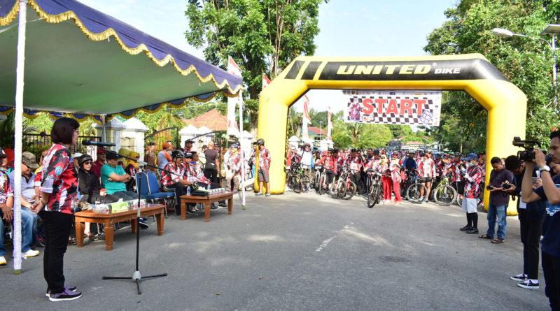 Sekda Sintang Lepas Festinves Kelam Bike 2018