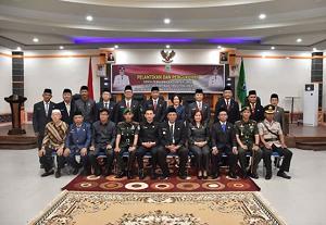 Pelantikan Dan Pengukuhan Pejabat Struktural Eselon II b Di Lingkungan Daerah Pemerintah Kabupaten Sintang