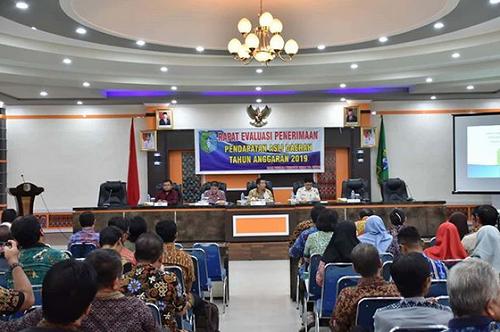 Wakil Bupati Sintang Askiman Pimpin Rapat Evaluasi Penerimaan Pendapatan Asli Daerah (PAD) Tahun Anggaran 2019