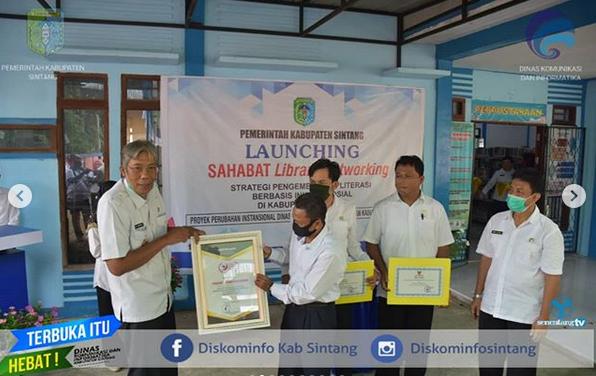 Bupati Sintang Launching Program Sahabat Library Networking