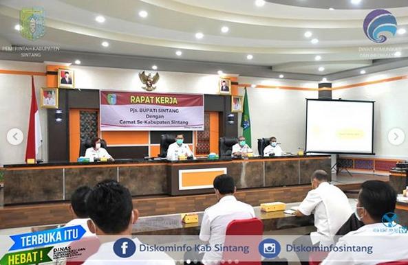 Pj. Bupati Sintang Pimpin Rapat Kerja Pj. Bupati Sintang  Bersama Seluruh Camat Di Lingkungan Pemerintah Daerah Kabupaten Sintang