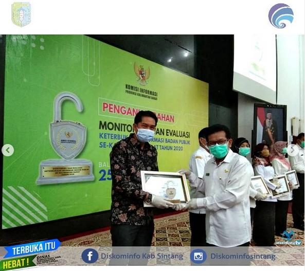 Kepala Diskominfo Menghadiri Acara  Penganugerahan Monitoring dan Evaluasi Keterbukaan Informasi Badan  Publik Se-Kalimantan Barat Tahun 2020