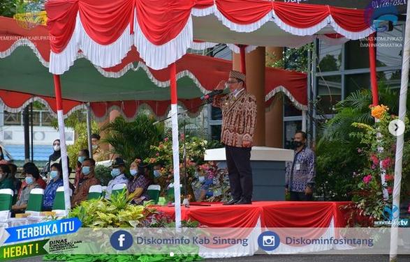 Wakil Bupati Sintang Askiman Pimpin Apel  HUT Provinsi Kalimantan Barat ke-64