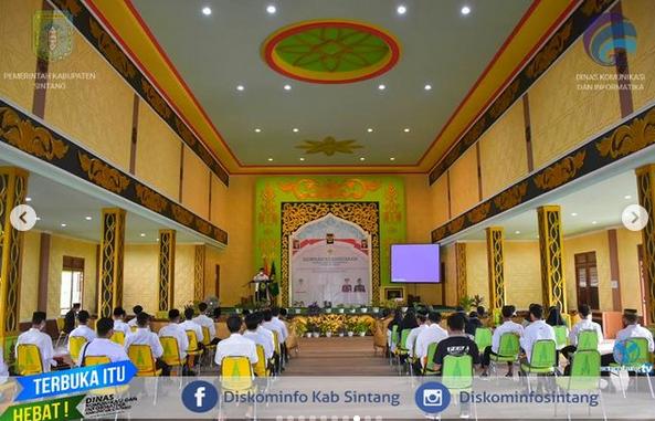 Asisten I Setda Sintang Syarief Yasser Arafat Membuka Kegiatan Seminar Kebangsaan Lembaga Dakwah Islam Indonesia  (LDII) Kabupaten Sintang