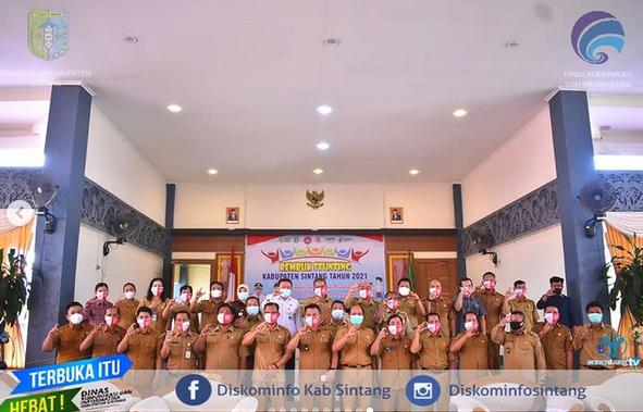 Asisten II Setda Sintang Yustinus Membuka Kegiatan Rembuk Stunting Kabupaten Sintang Tahun 2021